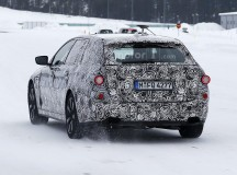 2017 BMW 5-Series GT Spy Shots (2)