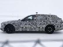 2017 BMW 5-Series GT Spy Shots (4)