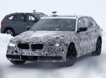 2017 BMW 5-Series GT Spy Shots (5)