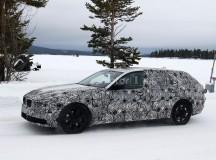 2017 BMW 5-Series GT Spy Shots (1)
