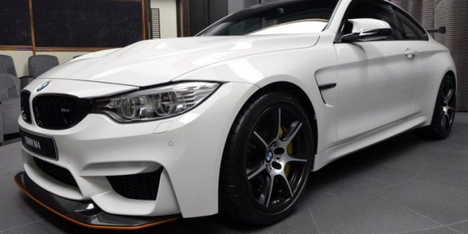 BMW M4 Alpine White